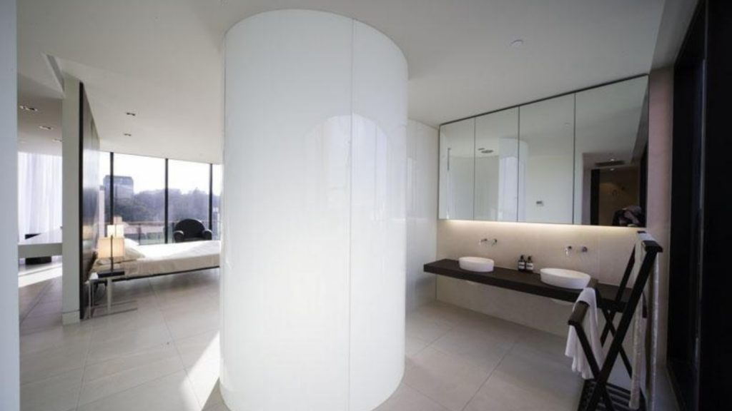 Australian Curved Glass - Becton