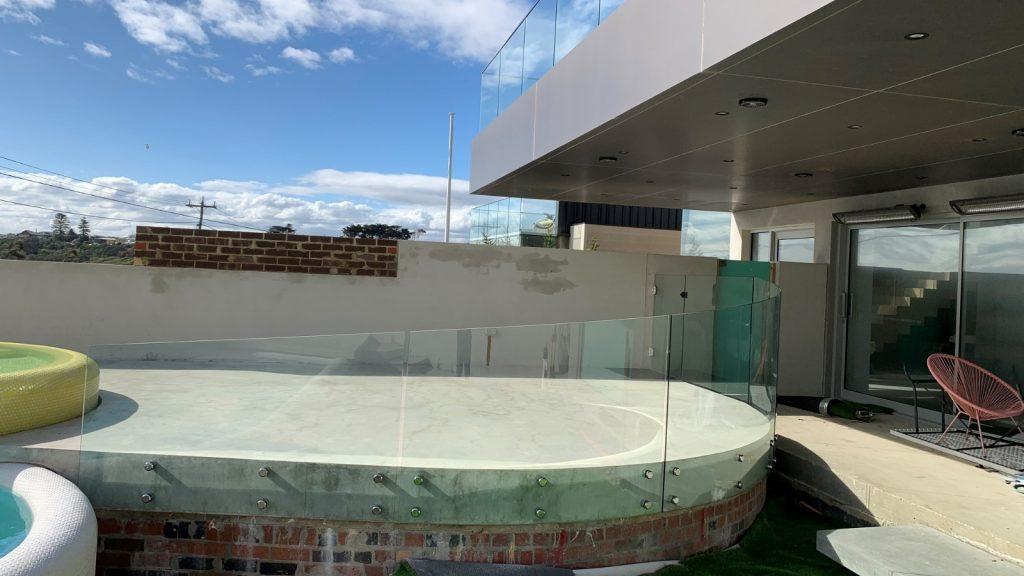 Australian Curved Glass - Mornington Pool 1